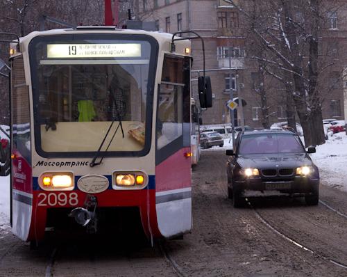 Когда можно совершить выезд на встречные трамвайные пути